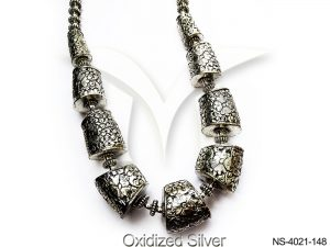 `Long Cylindrical Antique Necklace